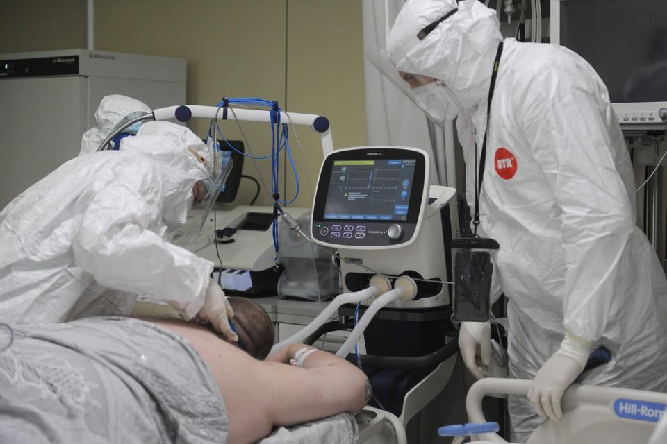Еще почти две тысячи человек заболели ковидом за сутки.