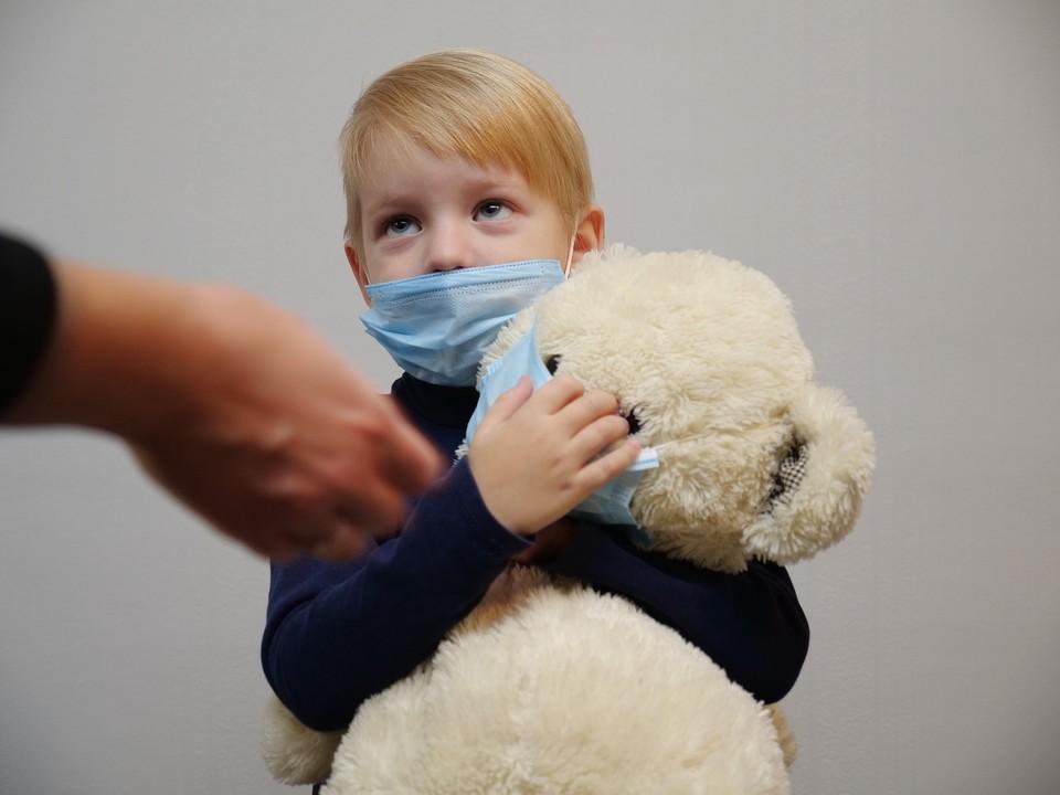 В группе риска по тяжелому течению ковида находятся дети с такими проблемами, как ожирение, сахарный диабет, онкопатологии.