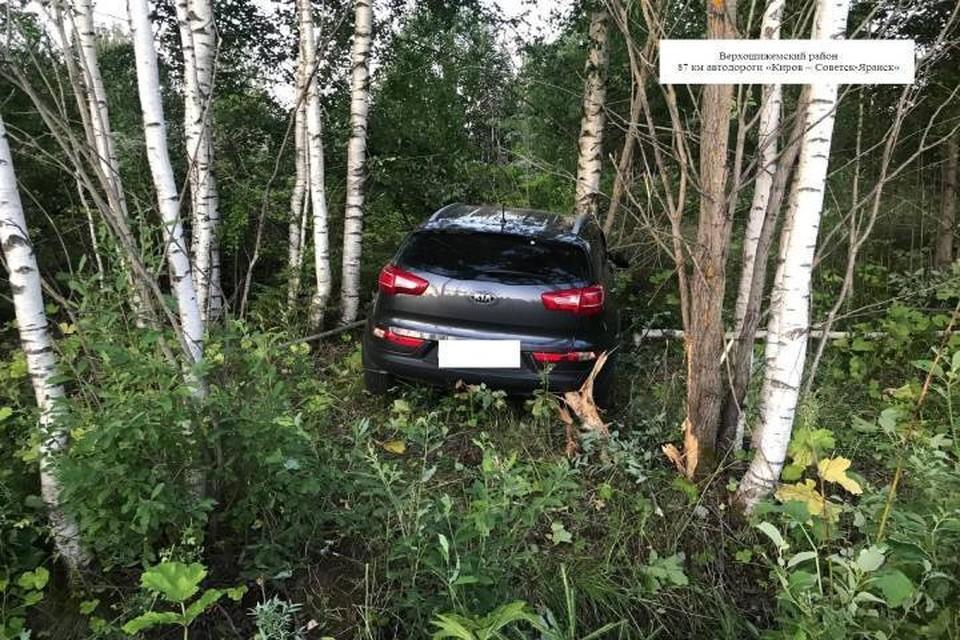 В результате аварии водитель, а также 36-летняя женщина, 12-летний мальчик и 8-летняя девочка пассажиры получили травмы. Фото: vk.com/gibdd43