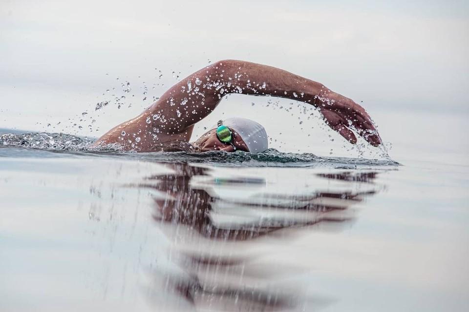 8 пловцов со всего мира проплыли 120 километров по Байкалу и финишировали в Иркутске. Фото: Андрей Бугай