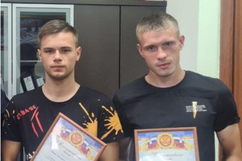 В Усть-Куте наградили двух моряков, которые спасли трех тонущих девочек