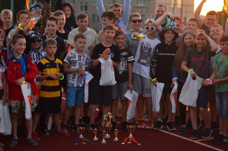 53 юных воронежских спортсмена, занимающиеся восточными боевыми единоборствами, получили возможность отдохнуть в лагере в городе Поворино