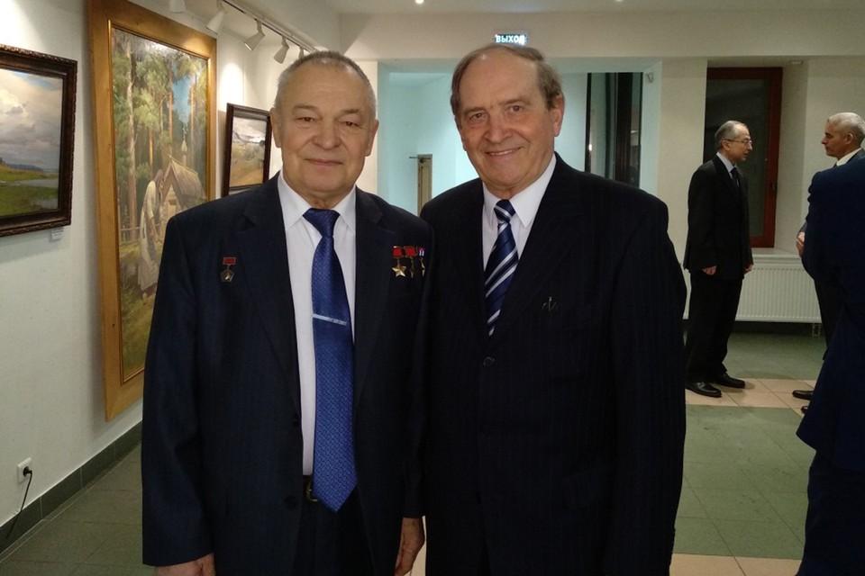 Виктор Шабрин с Юрием Романенко на приеме в посольстве Кубы. 15.02.2018 года