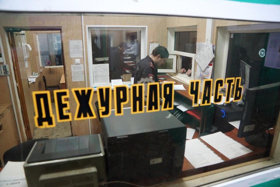 Дебоширов доставили в отделение полиции