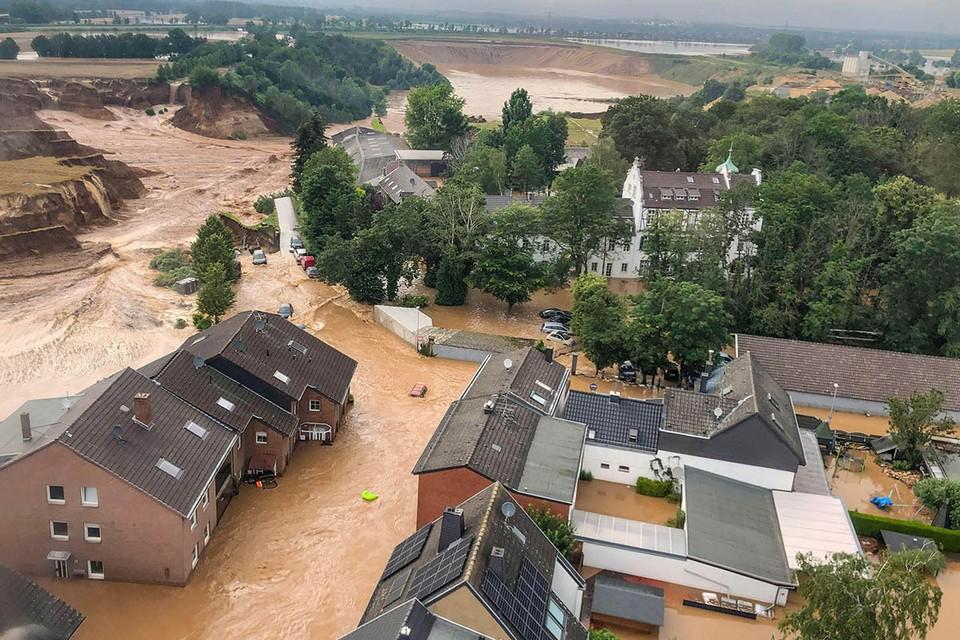 Самый серьезный удар стихия нанесла по западной части Германии.
