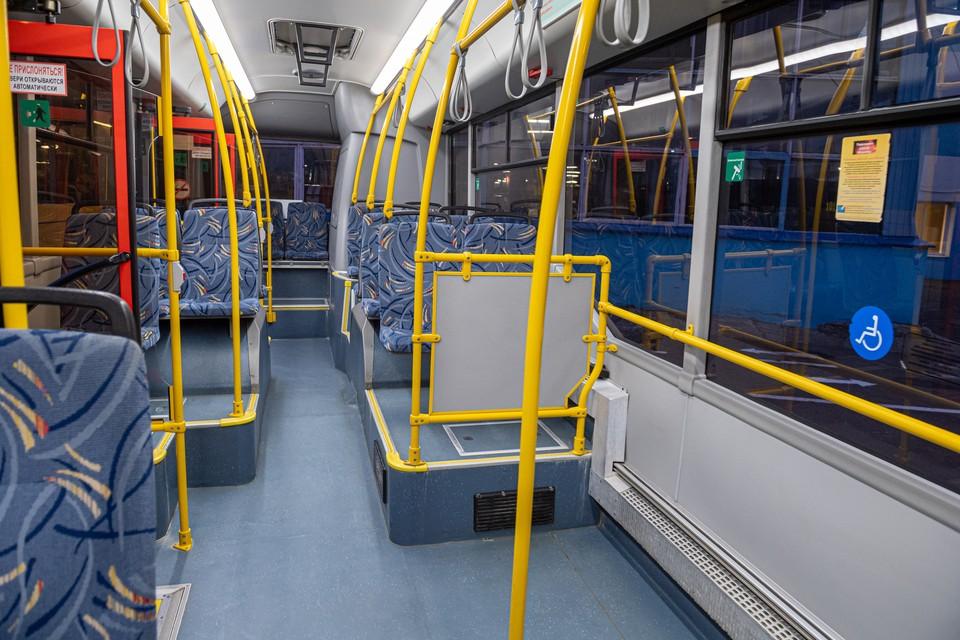 Автобусы должны быть категории первого класса, иметь широкие двери и низкие полы, а также большую вместимость