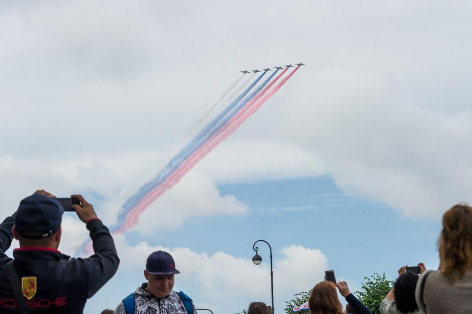 Экипажи морской авиации провели наземную тренировку к Главному военно-морскому параду.