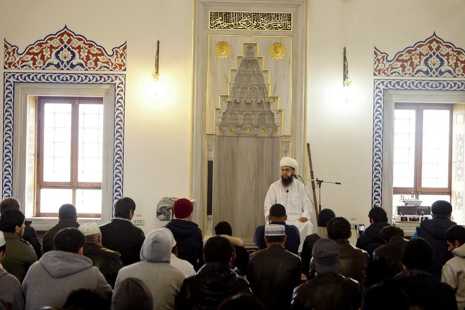 Религиозные деятели еще раз призвали мусульман сделать осознанный выбор и защитить себя и своих родных