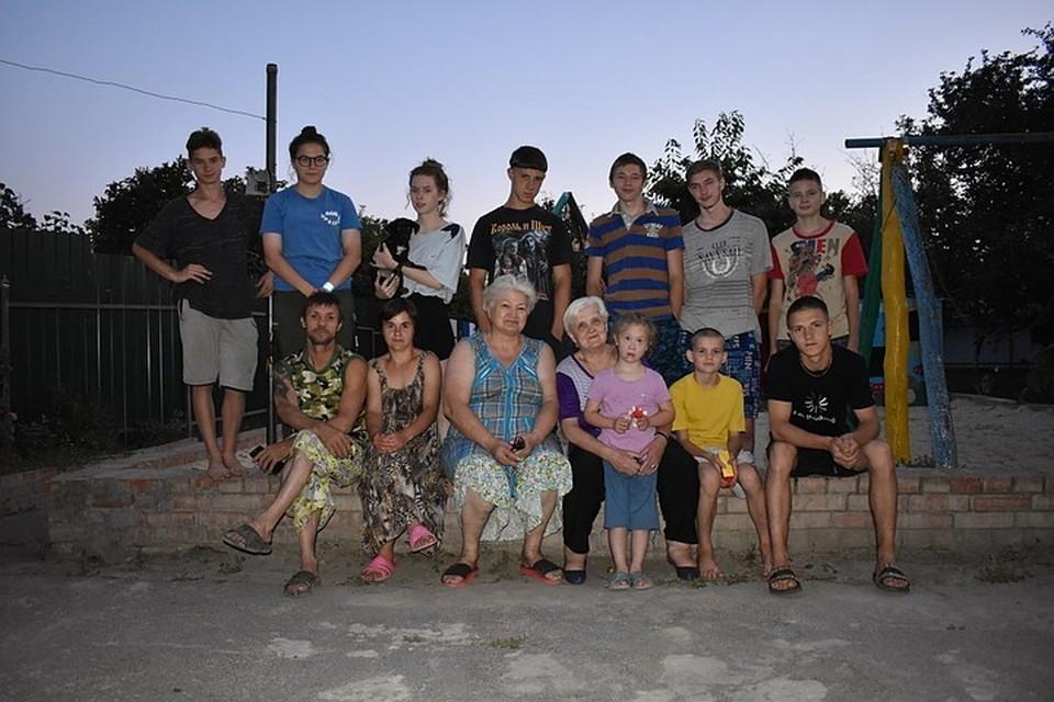 Сейчас на воспитании у самой многодетной мамы России 15 детей. Фото: СЕЛИМОВ Артур