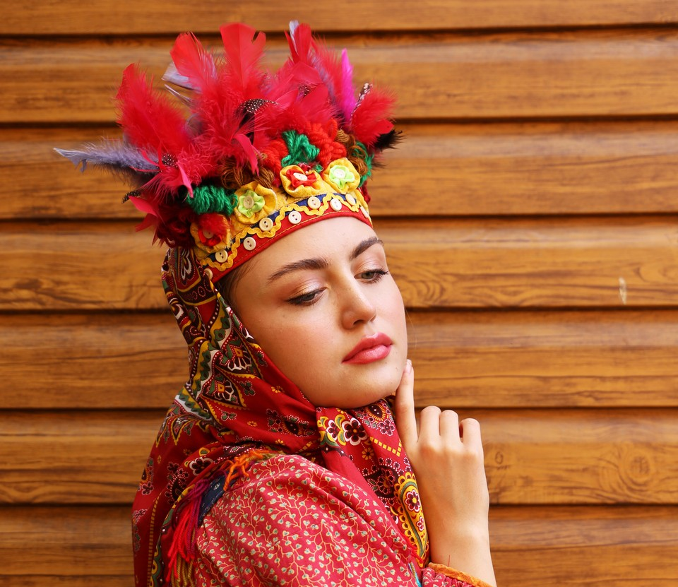 В Туле запустили онлайн-праздник народного костюма и ремесла «Модный двор»