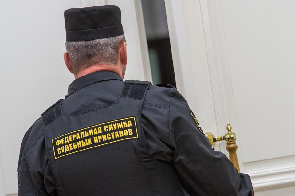 Приставы и полиция оцепили здание Sport Palace на Крестовском острове