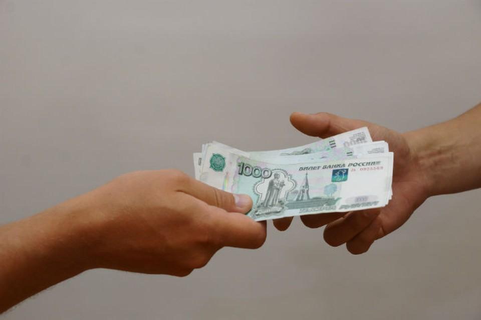 На протяжении двух лет 63-летняя жительница Рыбинска, пользуясь добротой соседки, выманивала у нее деньги под разными предлогами