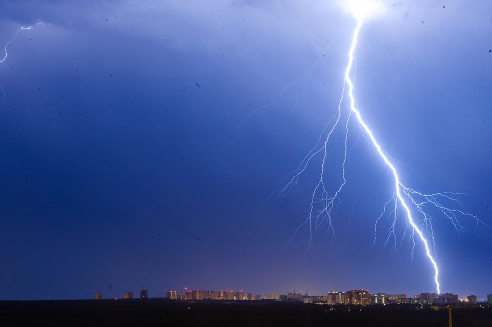 22 июля синоптики обещают дожди и грозы, после них закончится сильная жара.