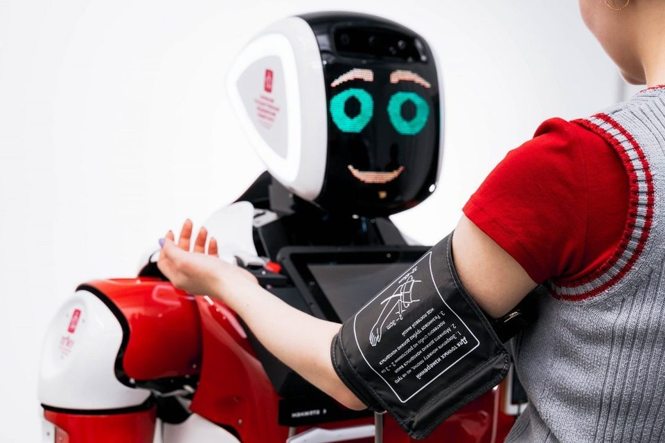Измерить давление может и робот.