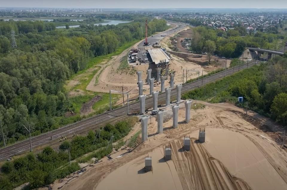 В Самаре строят путепровод через ж/д пути около Фрунзенского моста. Фото - скриншот