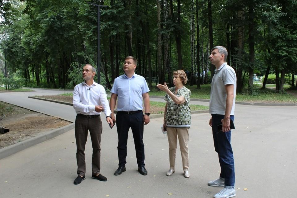 Почти три сотни новеньких светильников появились в ЦПКиО. Фото пресс-службы Рязгордумы.