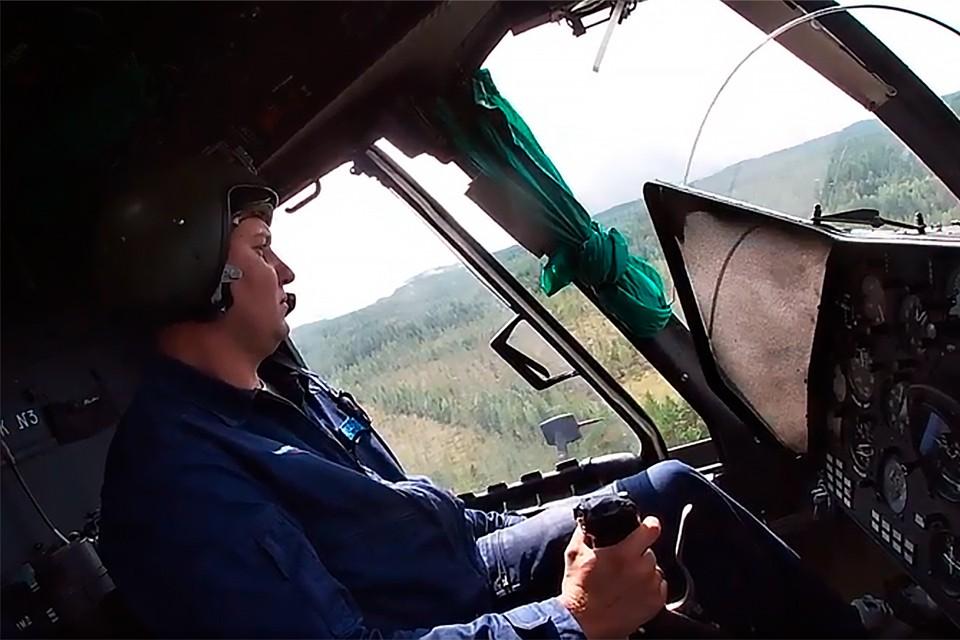Экипажи армейской авиации Ленинградской армии ВВС и ПВО Западного военного округа продолжают оказывать помощь в тушении природных пожаров.