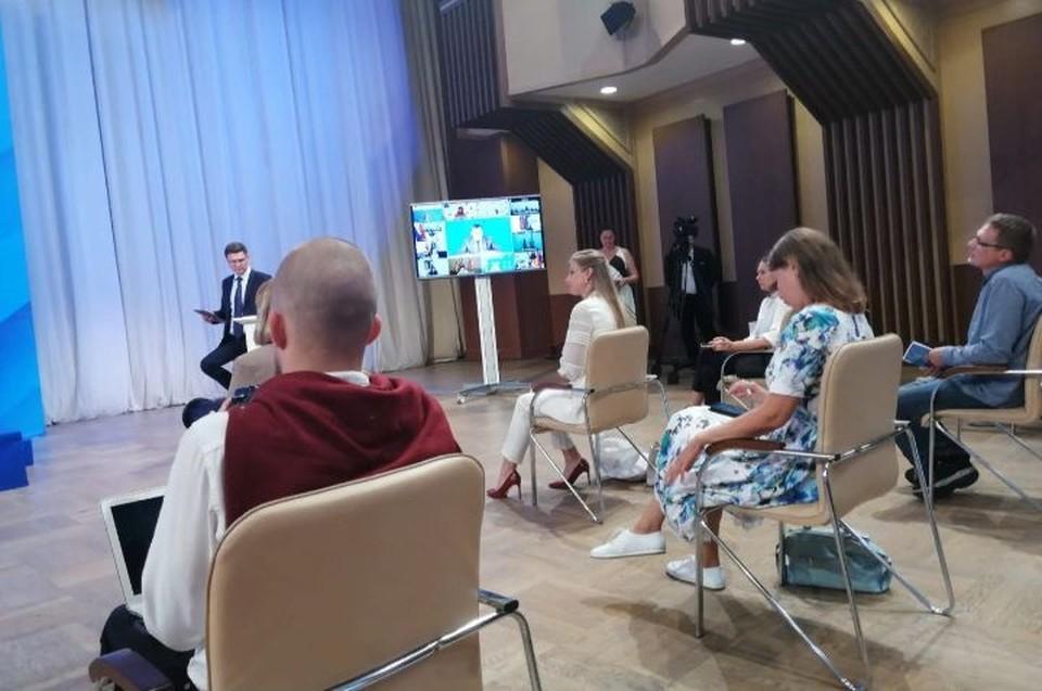 От ярославских журналистов прозвучали не только вопросы о работе, но и о личном