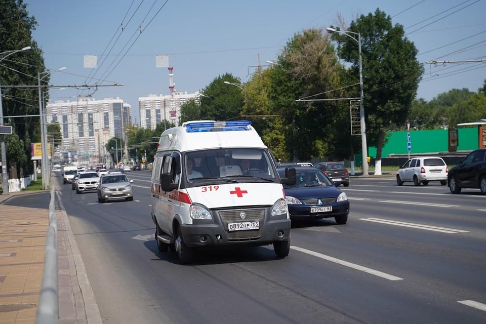 Водитель и пешеход получили травмы.