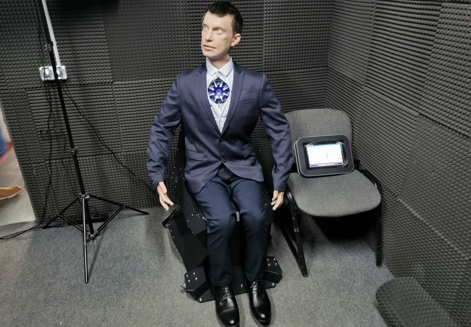 Робот может поднимать вещи весом до двух килограммов. Фото: Промобот.