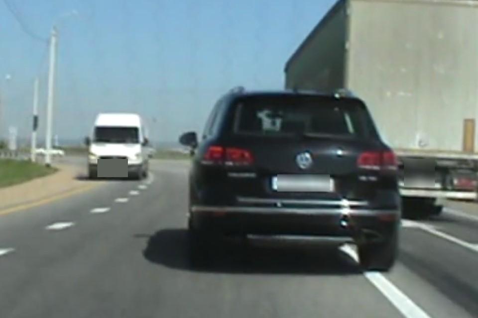 Пьяный лихач на Volkswagen Touareg устроил погоню с полицейскими на трассе «Сибирь»