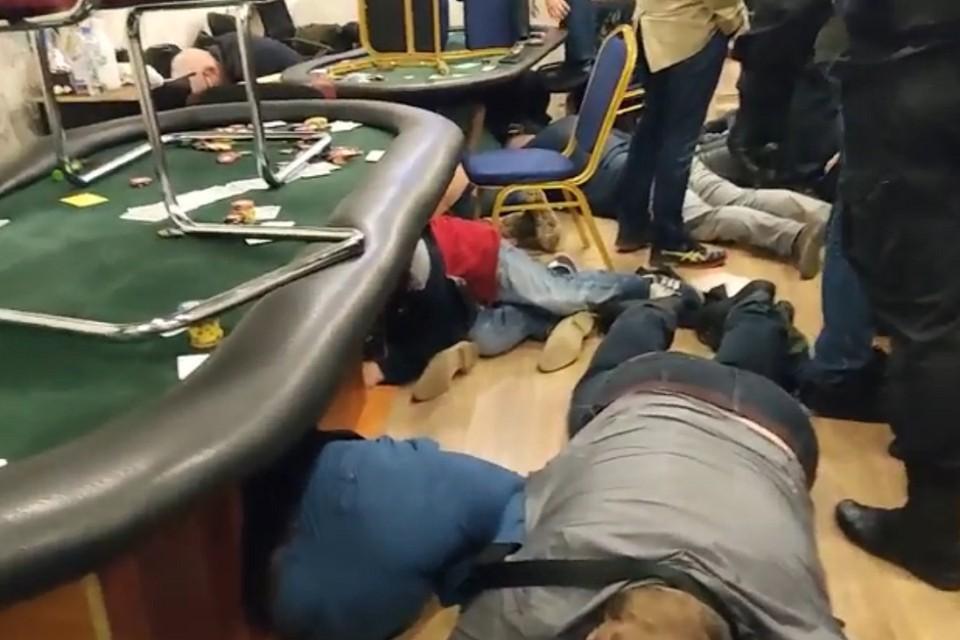 Полиция накрыла подпольное казино в Петербурге. Фото: ГУ МВД по СПб и ЛО