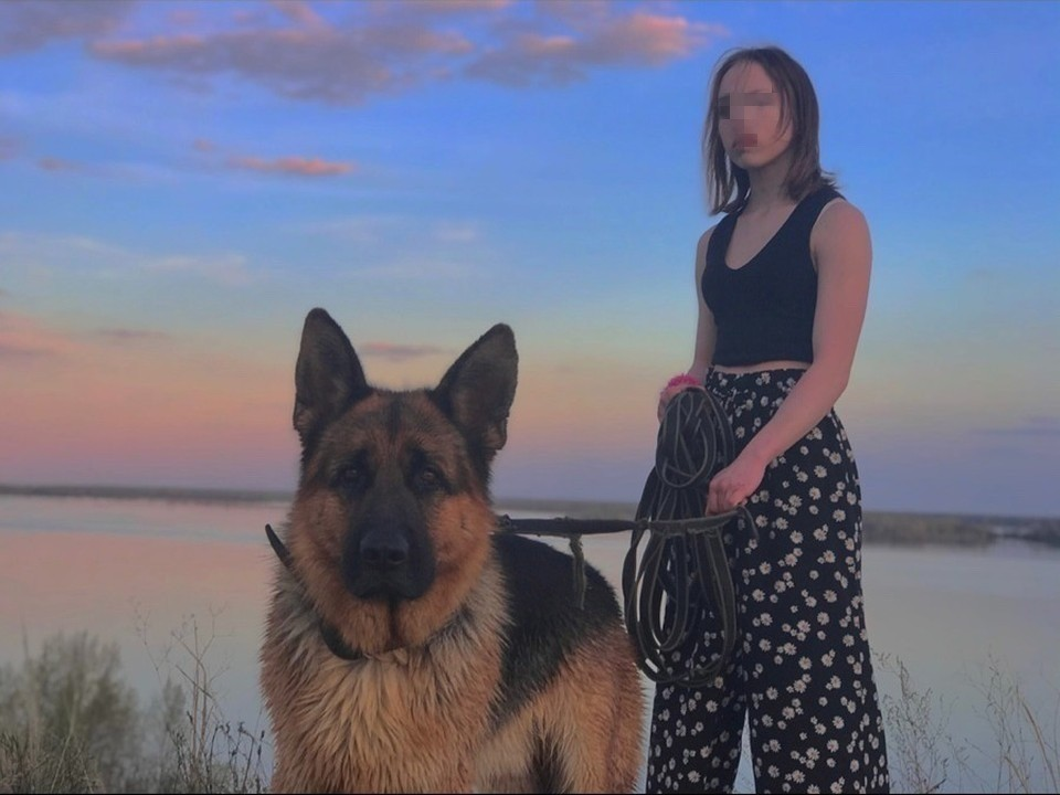 Яну избили за то, что она подошла к сельскому магазину в купальнике с собакой на поводке, но без намордника