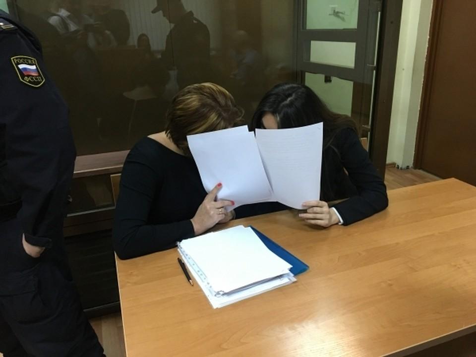 На Дону начался суд над подозреваемой в убийстве брата из-за похоронного бизнеса