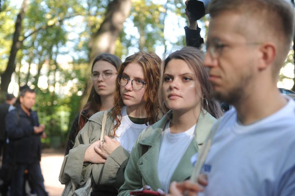 После лекции в Центре мультимедиа Русского музея участники мастер-класса отправились в Летний сад.