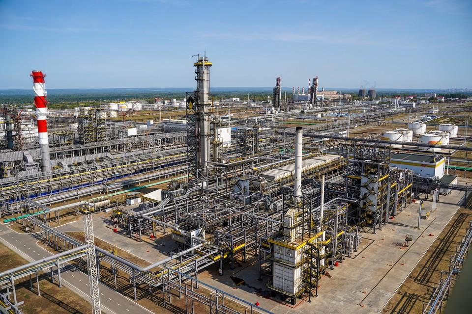 НК НПЗ уже 70 лет обеспечивает страну качественным топливом