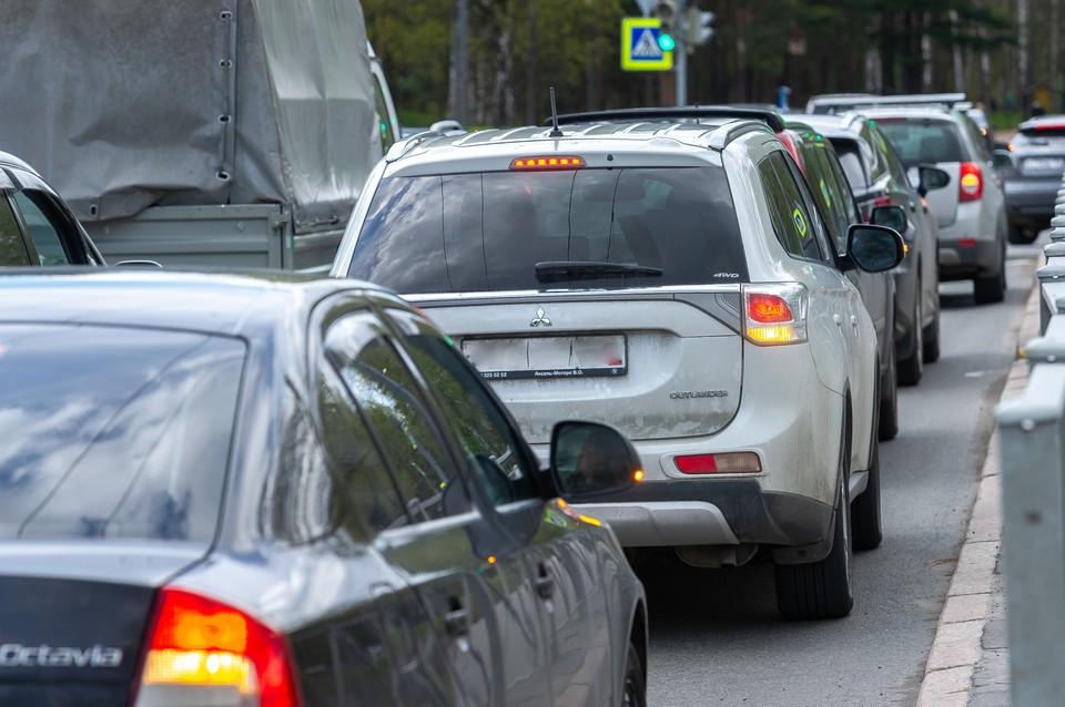 Петербург сковали 9-балльные пробки вечером 2 сентября