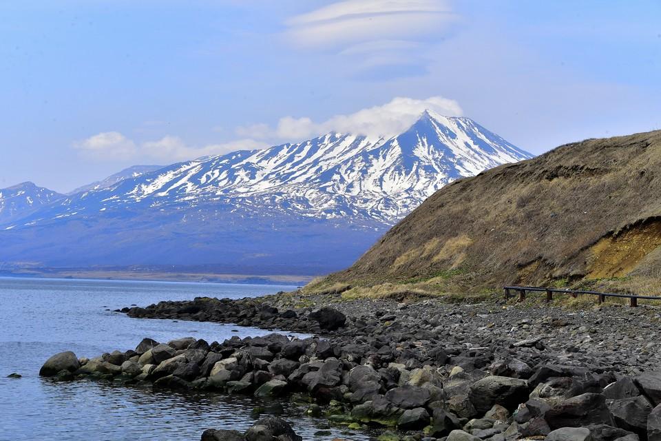 Остров Итуруп, вид на вулкан Богдан Хмельницкий