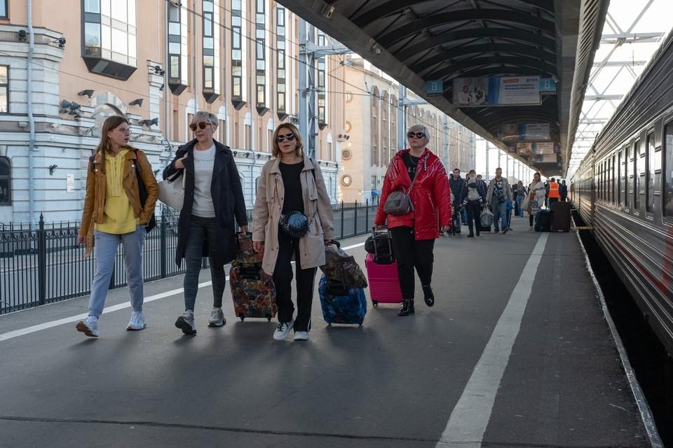 В Петербурге назначили дополнительные поезда на ноябрьские праздники
