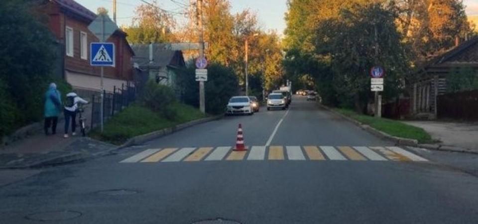 Перекресток не имеет светофоров.