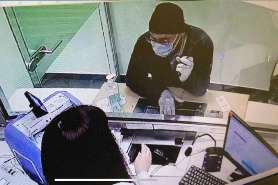 Грабителя с гранатой поймали петербургские сыщики. Фото: ГУ МВД по СПб и ЛО