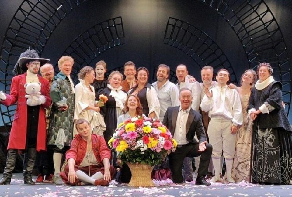 «Большие гастроли» в Омске открылись спектаклем «Тартюф». Фото: instagram.com/drama_theatre