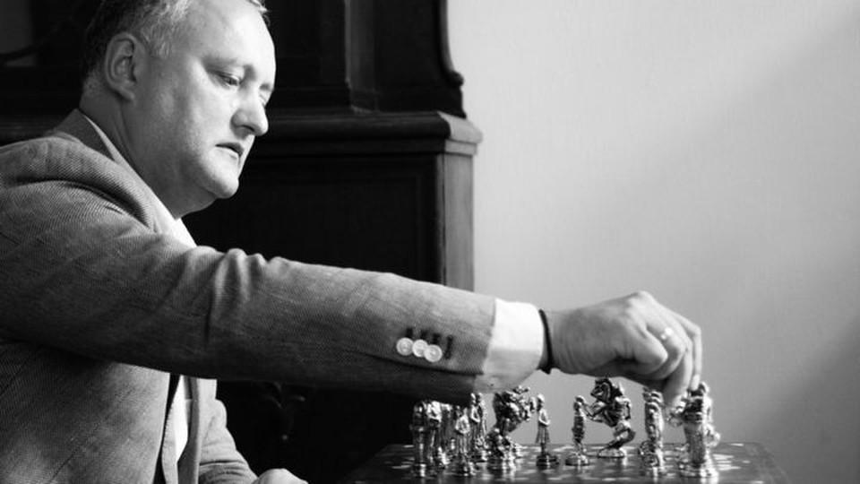 Игорь Додон поздравил сборную Республики Молдова по шахматам с выходом в высшую лигу Всемирной шахматной олимпиады. Фото:соцсети