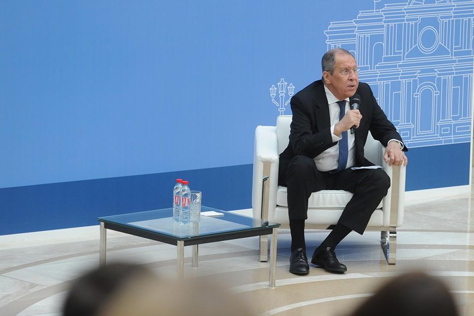 Глава МИД России рассказал о своем любимом учителе.