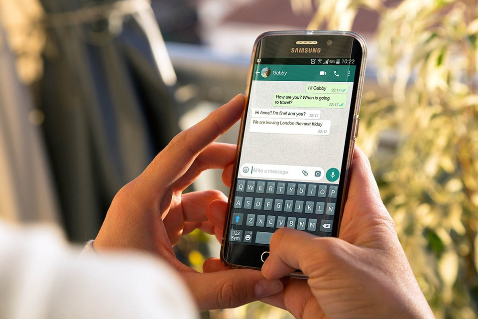 Владельцам старых смартфонов рекомендуют обновить устройство или сохранить историю чатов