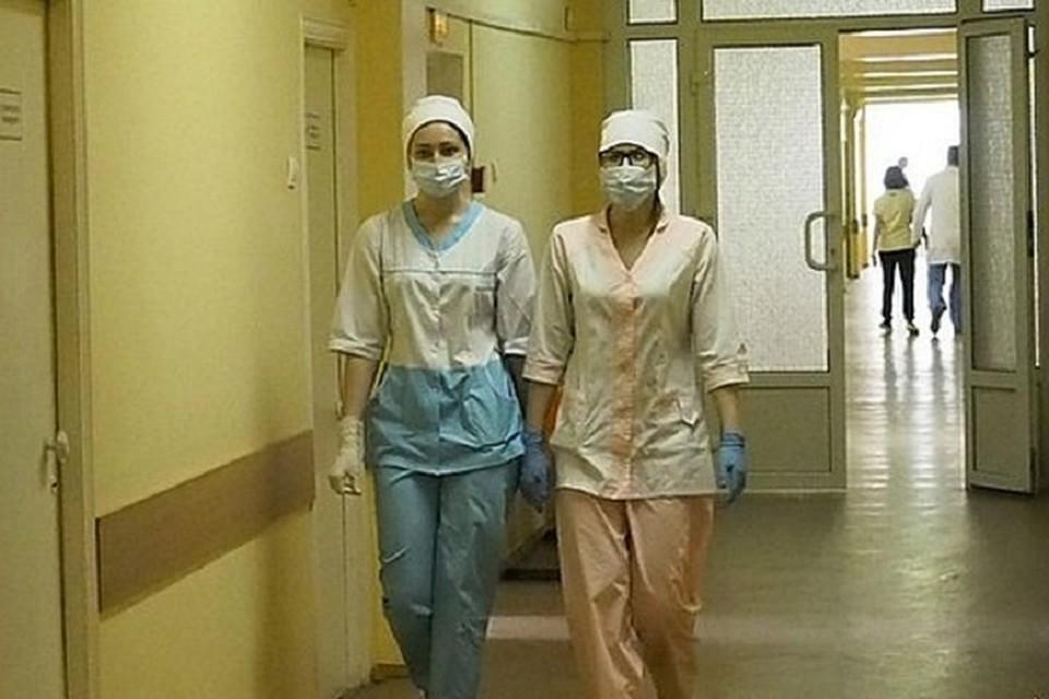 У тех, кого положили в больницу, состояние оценивается как средней степени тяжести.