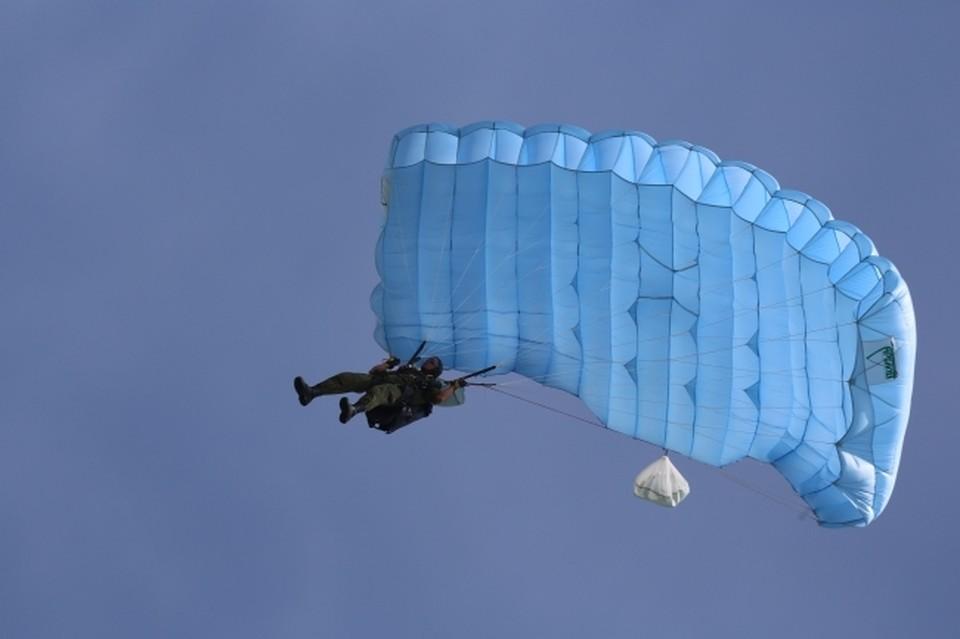 С 3 по 5 сентября на аэродроме «Танай» в Кемеровской области прошел чемпионат Сибирского и Дальневосточного федеральных округов по парашютному спорту.
