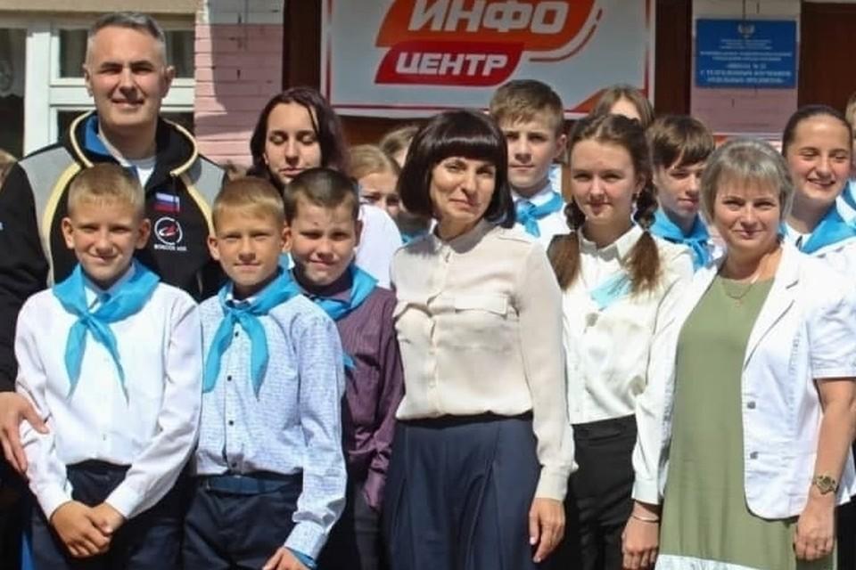Герой России Евгений Тарелкин (на фото слева) посетил Горловку. Фото: t.me/Prikhodko1970