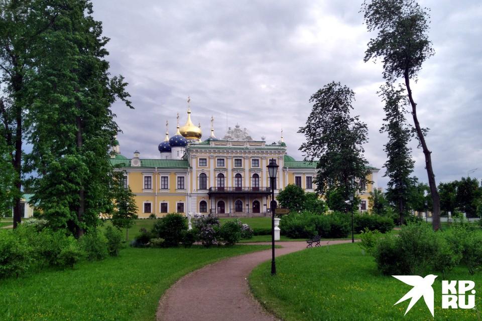В саду Императорского дворца готовится интересное представление, но этим культурные события в городе не ограничатся.