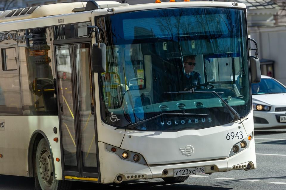 2,8 тысячи новых автобусов выйдут на маршруты в Петербурге в 2022 году