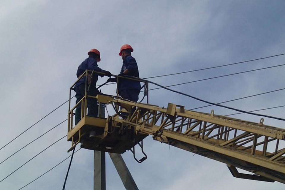 Ремонтные бригады пока не могут начать работу. Фото: МинУЭ ДНР