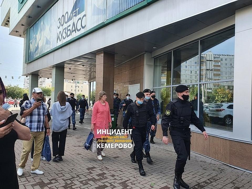 В Кемерове вновь закрыли ТРК «Гринвич». Фото: ВКонтакте/incident_42.