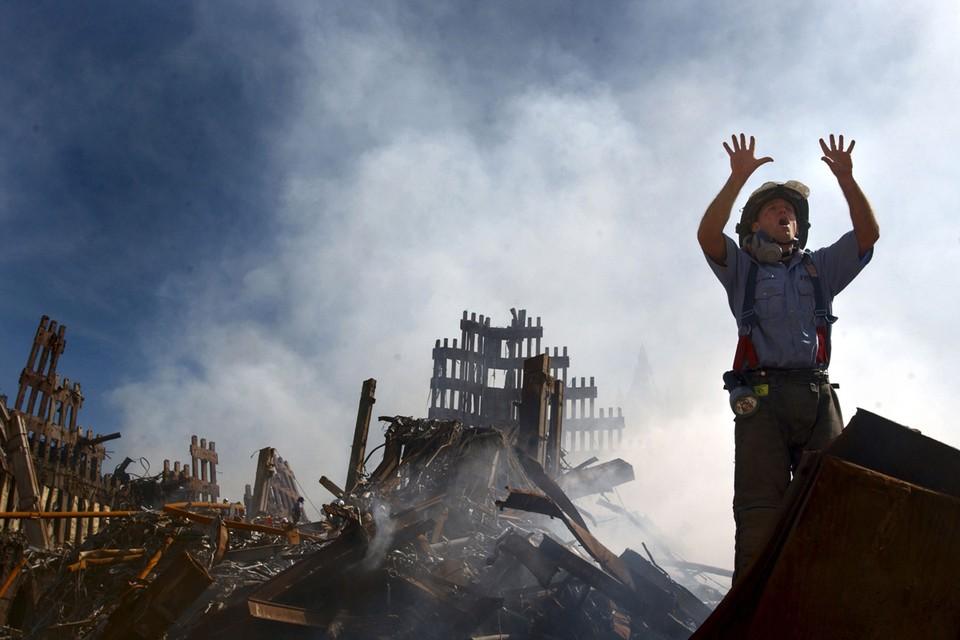 2977 жизней унесли теракты 11 сентября