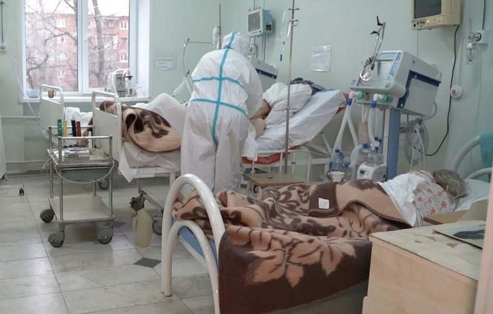 В омских больницах за сутки от ковида скончались семеро пациентов.