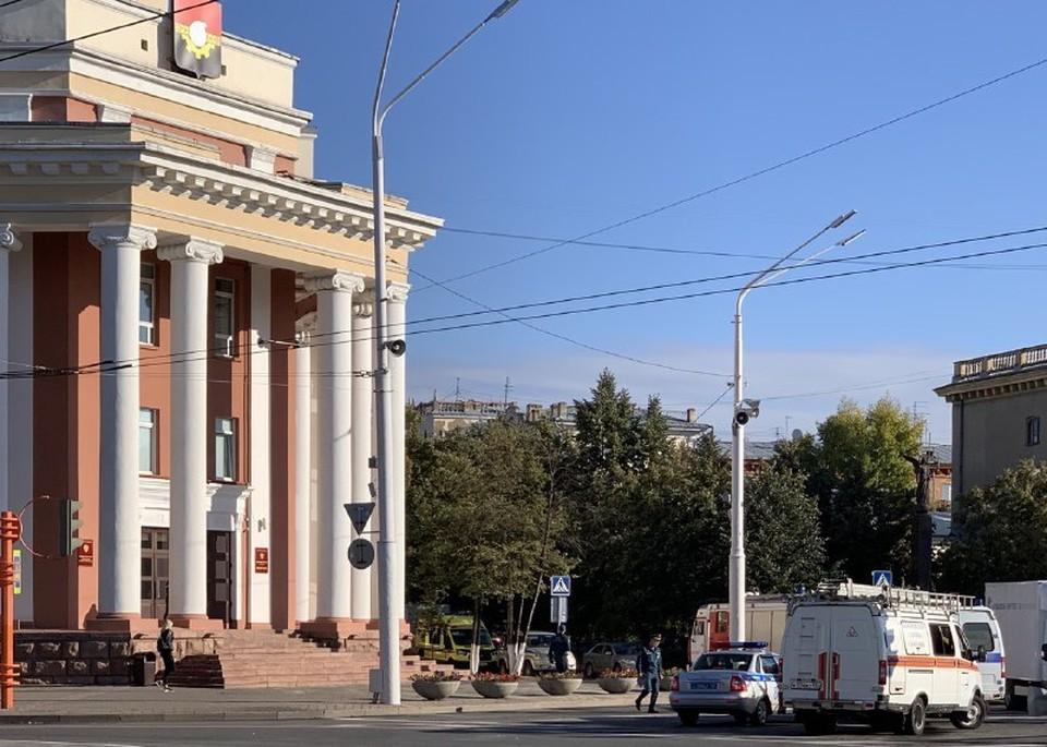 В мэрии Кемерова прокомментировали информацию о минировании здания администрации.