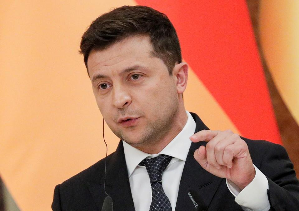 Владимир Зеленский запутался в украинском и английском языках во время интервью телеканалу США